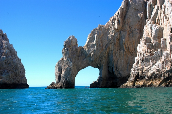 Enjoy the scenic view of the arch at Cabo San Lucas, Mexico